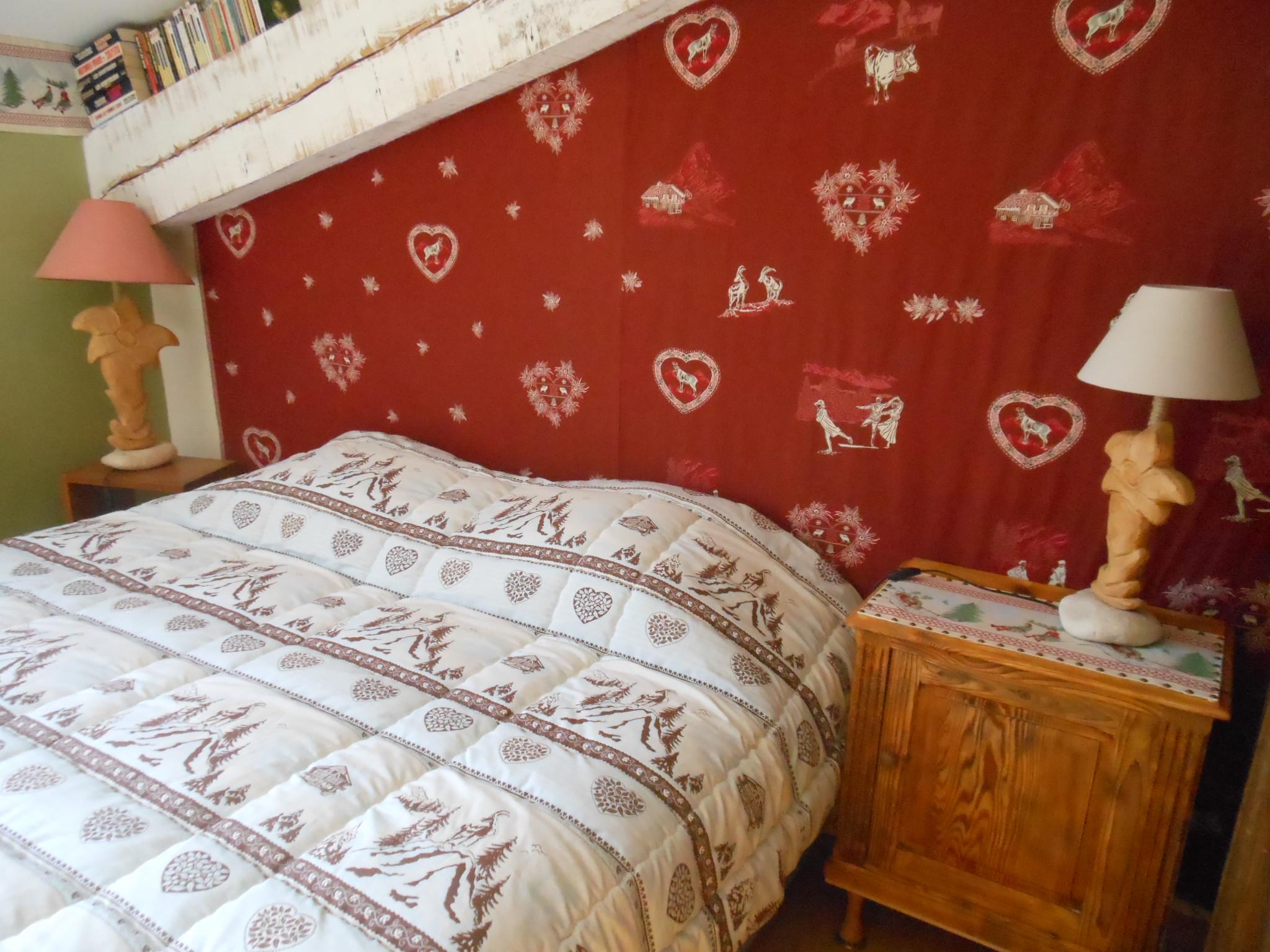 Chambre familiale à la maison bleue en Ardèche