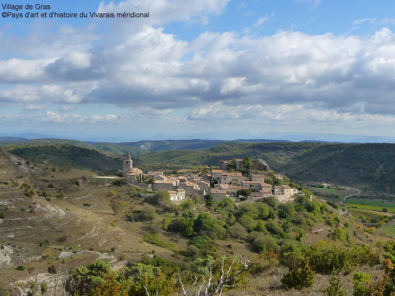 Village de Gras en Ardèche du Sud