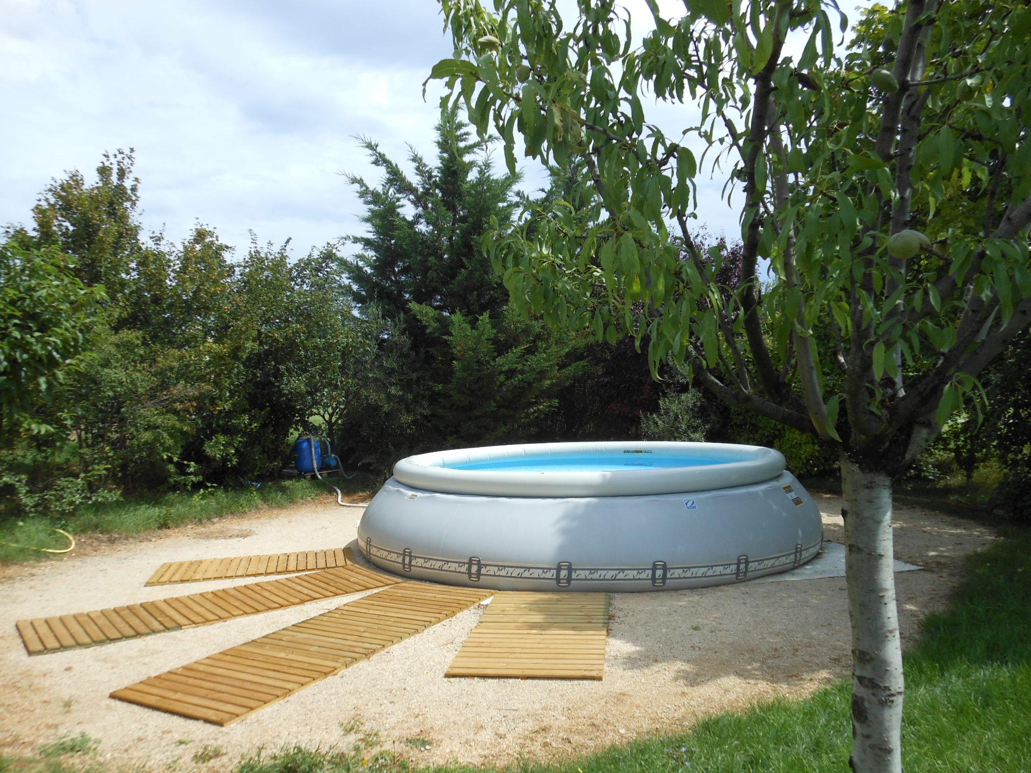 piscine circulaire auto port e de la maison bleue location g te de groupe familial 20. Black Bedroom Furniture Sets. Home Design Ideas