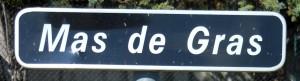 Le Mas de Gras, accès à la maison bleue sur la commune de Gras.
