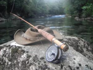 lancer, ouverture de la truite, rivière ardéche; pêche à la mouche