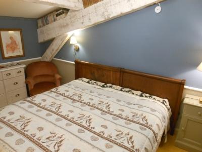Chambre la provençale du gite la maison bleue, grande maison familiale en Ardèche