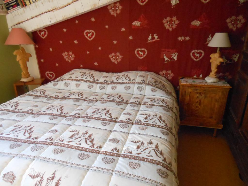 Chambre la montagne du grand gîte familial en Ardèche