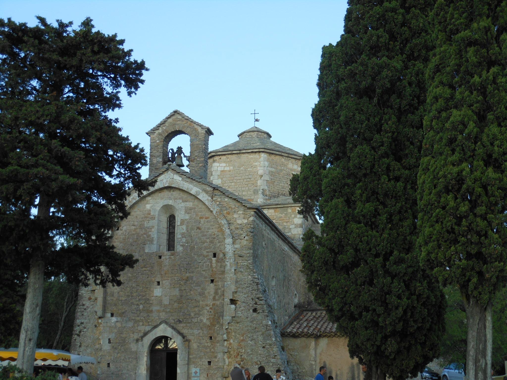 Eglise romane Saint Pierre de Larnas en Ardèche (4)